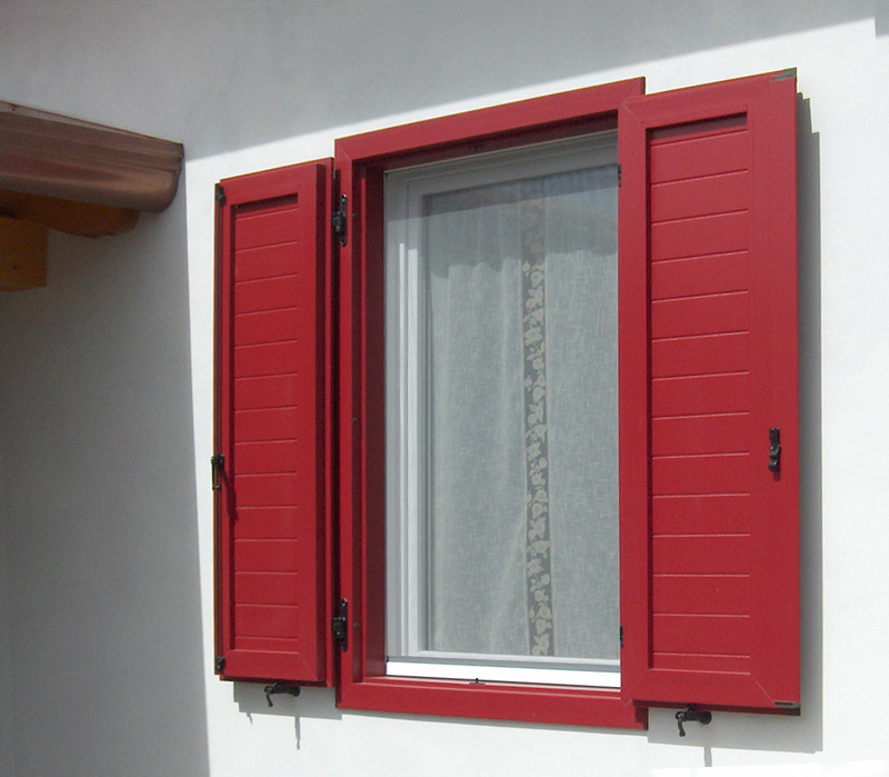 scuretto_pvc_finestra_savi_guerrino